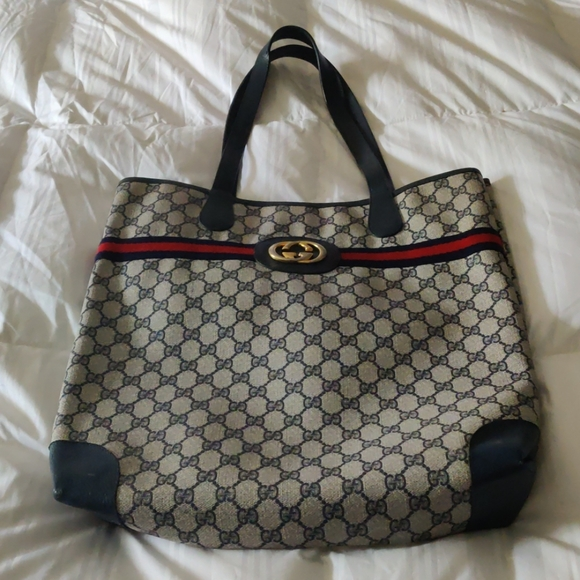 Gucci Handbags - Gucci vintage shopping tote